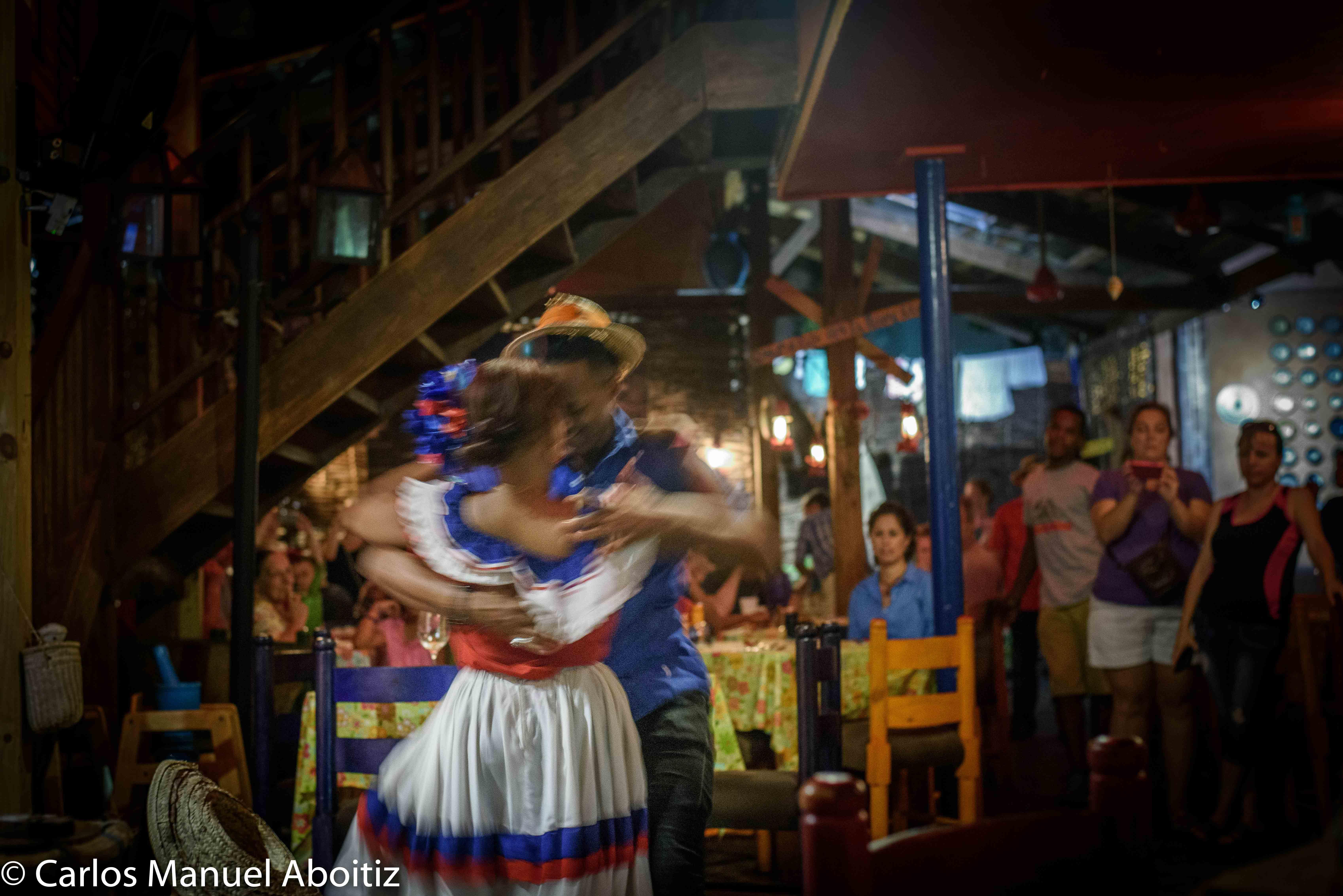 Bailando en el Conuco